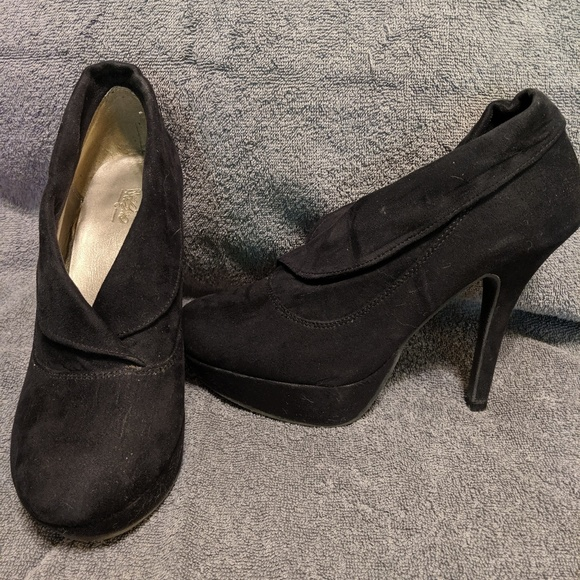 mossimo Shoes - Booties
